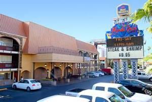Mardi Gras Hotel & Restaurant